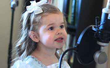 Adorable 3-Year-Old Claire Ryann Sings 'Part Of Your World'