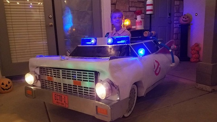 ghostbuster-costume-wheelchair-dad-4